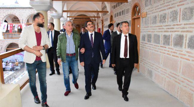 ÇELİK, KAYMAKAM TURAN'A KURŞUNLU HAN'I TANITTI