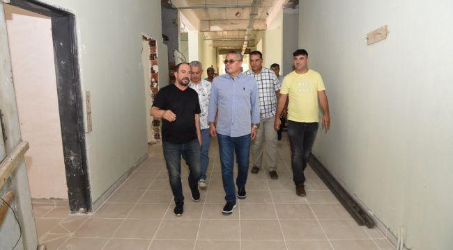 VALİ DENİZ TURGUTLU'DA OKUL İNŞAATINDA İNCELEMELERDE BULUNDU