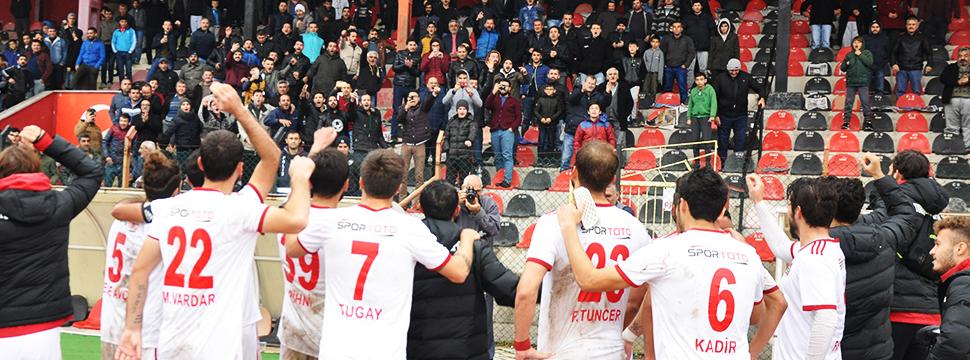 Turgutluspor İstanbul'dan 3 Puanla Döndü