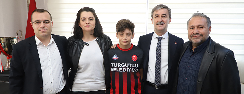 Turgutlulu Genç Yıldız Fenerbahçe'ye Transfer Oldu