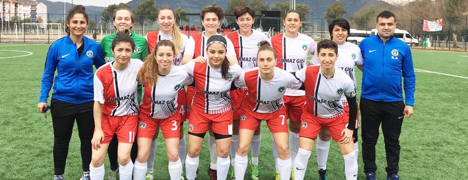 Turgutlu'nun Kadın Takımı Rekora Koşuyor