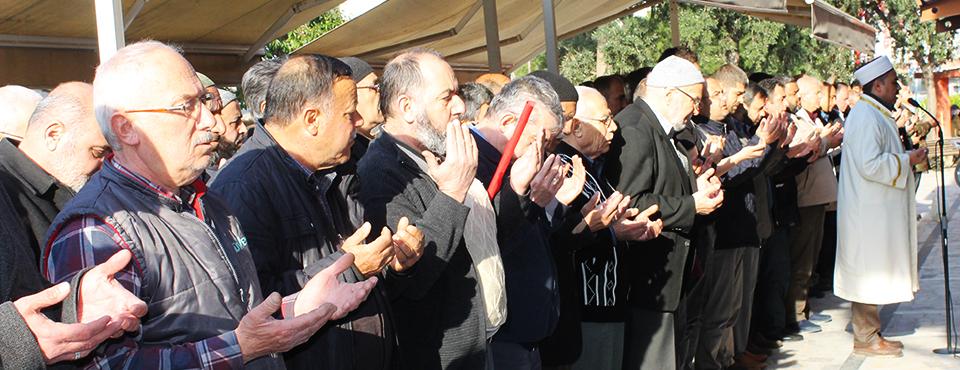 şehit Edilen Müslümanlar İçin Gıyabi Cenaze Namazı Kılındı